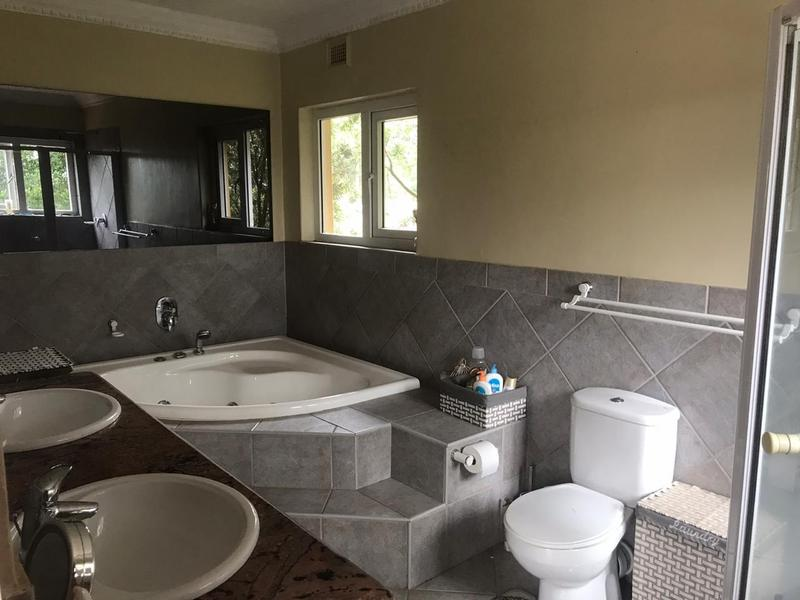 Property For Rent in Kloof, Kloof 17