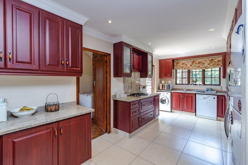 Property For Sale in Kloof, Kloof 2