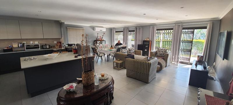 Property For Sale in Waterfall, Kloof 3
